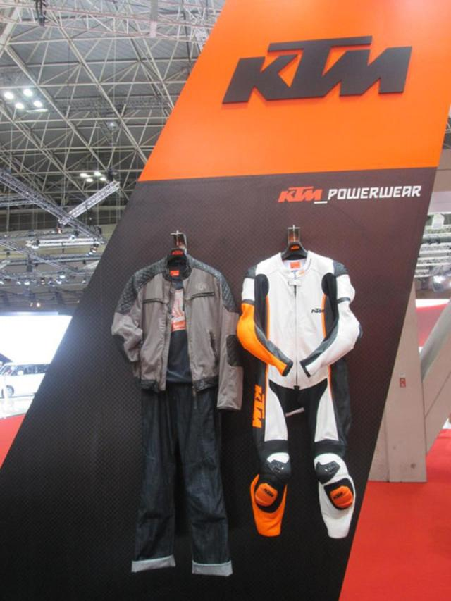 画像2: <理子の東京モーターショー2013見聞録> どうやって遊ぼうかな♪(KTM編)