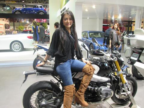 画像6: <理子の東京モーターショー2013見聞録> バイクに革ジャンに女の子 (BMW編)