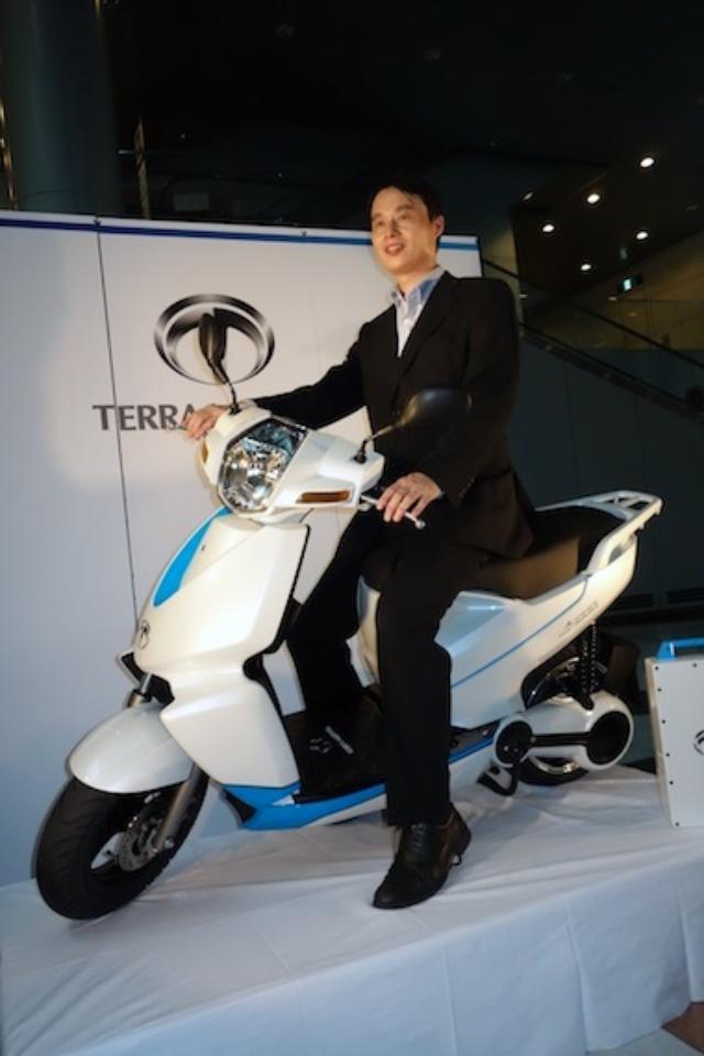 画像7: 世界初! スマートフォン連携機能を備えた電動スクーター「A4000i」をテラモーターズが発表!