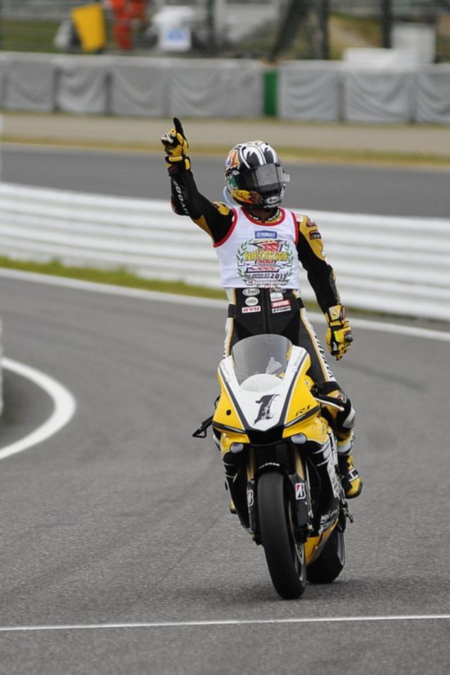 画像: レース1終了後には封印していた喜びを爆発させました