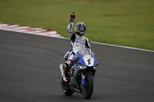 画像: 中須賀は8耐、現役MotoGPライダーであるブラッドリ・スミスとポル・エスパルガロと チームを組みます! これ、チョー楽しみです!