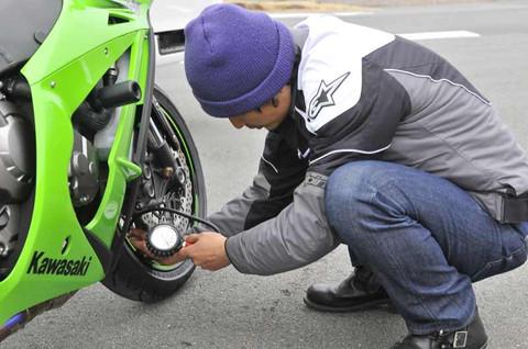 画像1: <LINEアンケート結果>タイヤの空気圧って、どれくらいの頻度でチェックしてる?