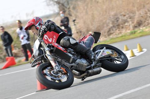 画像1: facebookで「DUNLOP オートバイ杯ジムカーナ開幕戦」の写真を公開中!