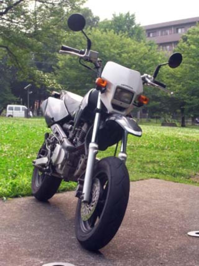 画像1: <愛車紹介>小松信夫 HONDA XR100モタード