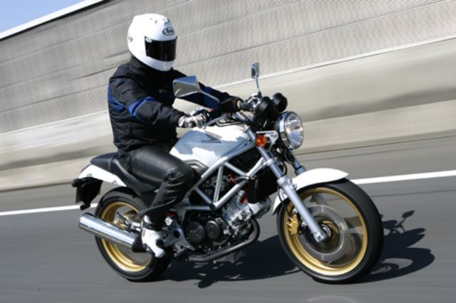 画像: <試乗ダイジェスト>HONDA VTR STYLE Ⅰ/Ⅱ(2009年)