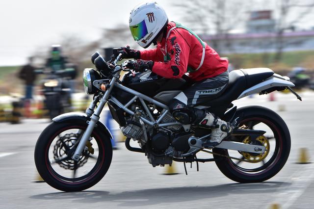 画像22: 注目のダンロップタイヤワンメイク化初戦、最高峰・A級は大接戦に! オートバイ杯ジムカーナ第1戦