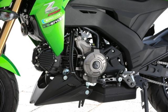 画像: KSR用から発展した124cc空冷単気筒エンジンは、ついにFI化されてスポーティさと良好な始動性を両立。「PRO」は4速ミッションにマニュアルクラッチの組み合わせとなる。