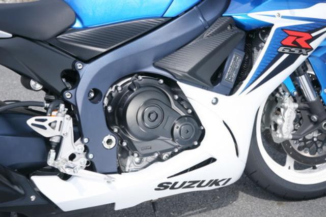 画像: エンジンはあらゆる可動部品を見直し、高効率化をさらに追求する一方で、搭載角を3度起こし、車体のコンパクト化にも貢献。