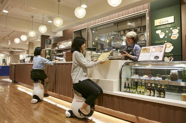 画像: 日本橋三越本店でパーソナルモビリティ「UNI-CUB β」に乗ろう!
