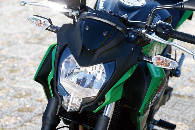 画像: 逆三角形形状のヘッドライトはマルチリフレクタータイプ。Z800やZ250とも共通したイメージを与えられ、シリーズのアイデンティティを表現。