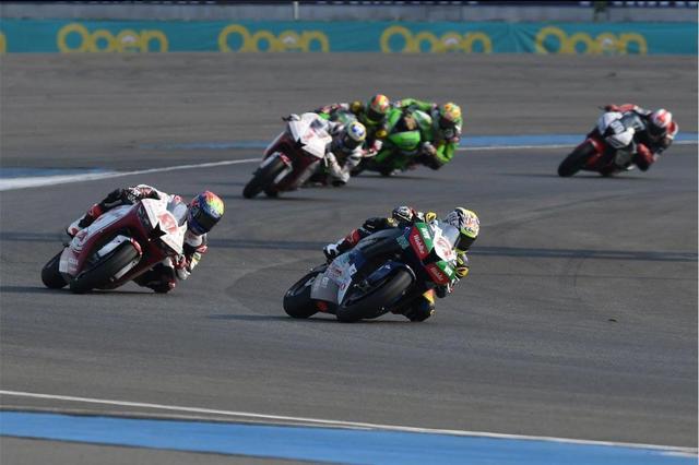 画像3: アジア選手権SS600クラスのレース1で初優勝!