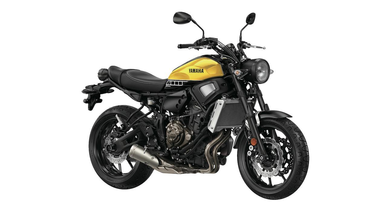 画像: Y019 YAMAHA XSR700 ■価格:欧州モデル(日本国内未導入) レトロなスタイルと最新のテクノロジーを融合させる「Faster Sons」コンセプトに基づき、MT-07ベースに開発されたヘリテイジスポーツ。アルミ製タンクカバーなど金属製パーツを各部に多用した豪奢な容姿。日本国内導入は未定。