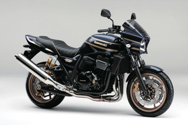 画像: K013 KAWASAKI ZRX1200 DAEG/SPL ■価格:117万2880円/131万7600円(SPL) 国内専用に開発されたネイキッドスポーツ。常用域のレスポンスに優れ最高出力110PSを発揮するエンジンをオーソドックスな車体に搭載。ローソンレプリカのスタイルを現代的にアレンジしたスタイルも人気。