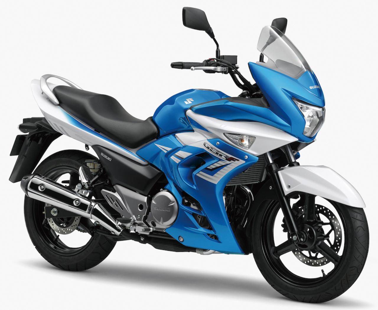 画像: S023 SUZUKI GSR250F ■価格:51万4080円 GSR250の特徴である快適さと安定感、スムーズなエンジン特性に、高速走行時でも防風効果の高いフルカウルをプラスすることで、さらにツアラー的な性格が強調されたバリエーションモデル。