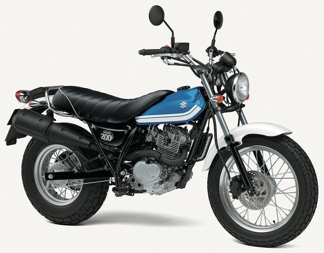 画像: S028 SUZUKI VANVAN200 ■価格:43万7400円 1970年代に人気を集めたレジャーバイク・バンバンの名前とユニークなイメージを現代に復活させたモデル。大きなシートと極太リアタイヤを組み合わせたスタイルが超個性的だ。