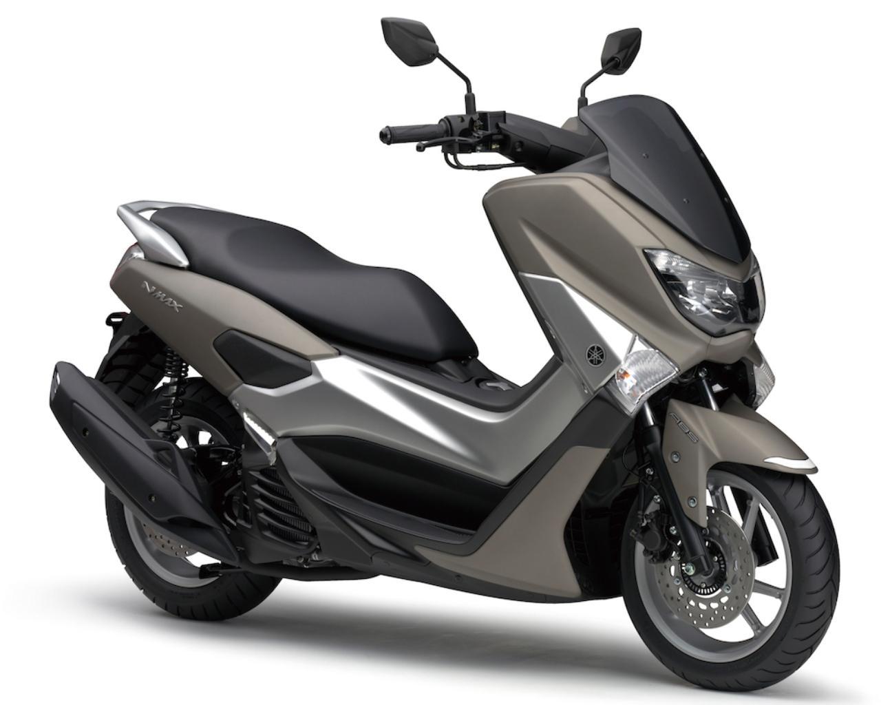 画像: Y049 YAMAHA NMAX ■価格:34万200円 ヤマハMAXシリーズのスタイルとキビキビとした走りを、125ccクラスに取り入れたのがNMAX。中でも注目は国内初採用の「ブルーコアエンジン」。このエンジンは「走りの楽しさ」と「燃費・環境性能」の両立をコンセプトに、高効率燃焼、高い冷却性、ロス低減を徹底的に追求。ハイパワー・好燃費を実現している。