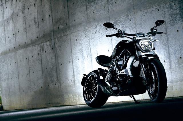 画像: このバイクに彼女を乗せたら箔がつきますぞ。 d1uzk9o9cg136f.cloudfront.net