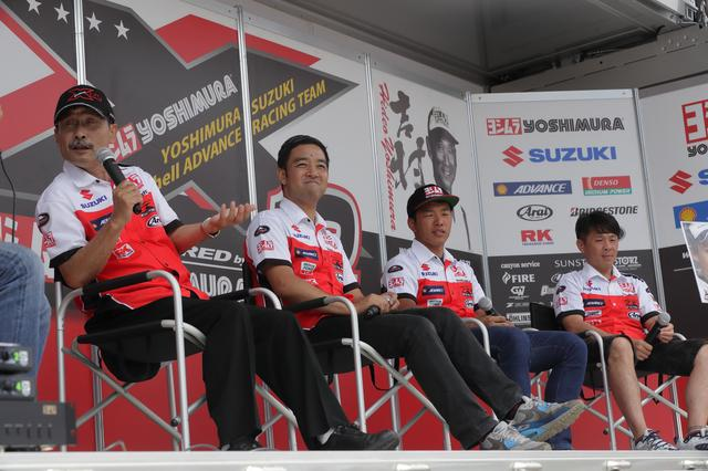画像: 吉村社長、加藤監督、津田選手、そして芳賀選手の4人がトークショーを展開。 思わぬ本音も飛び出る内容に、会場に詰めかけたファンも湧いておりました。