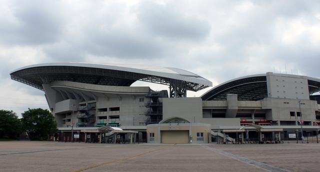 画像: 会場:埼玉スタジアム2002 北広場・東駐車場内
