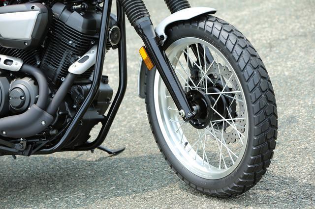 画像: 撮影車両の装着タイヤはブリヂストンの「トレイルウイング101」で、オフロード走行にも対応。指定空気圧は前後共に280kPaとなっている。