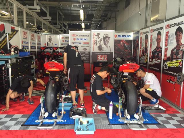 画像: レースアナウンサー、みし奈さんのフェイスブックより ヨシムラピット、準備中なう