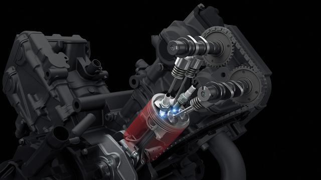 画像: 1気筒あたり2本のスパークプラグを持つ、スズキデュアルスパークテクノロジーを採用。高い燃焼効率により、スムーズな出力特性と低燃費、排出ガス低減に貢献している。