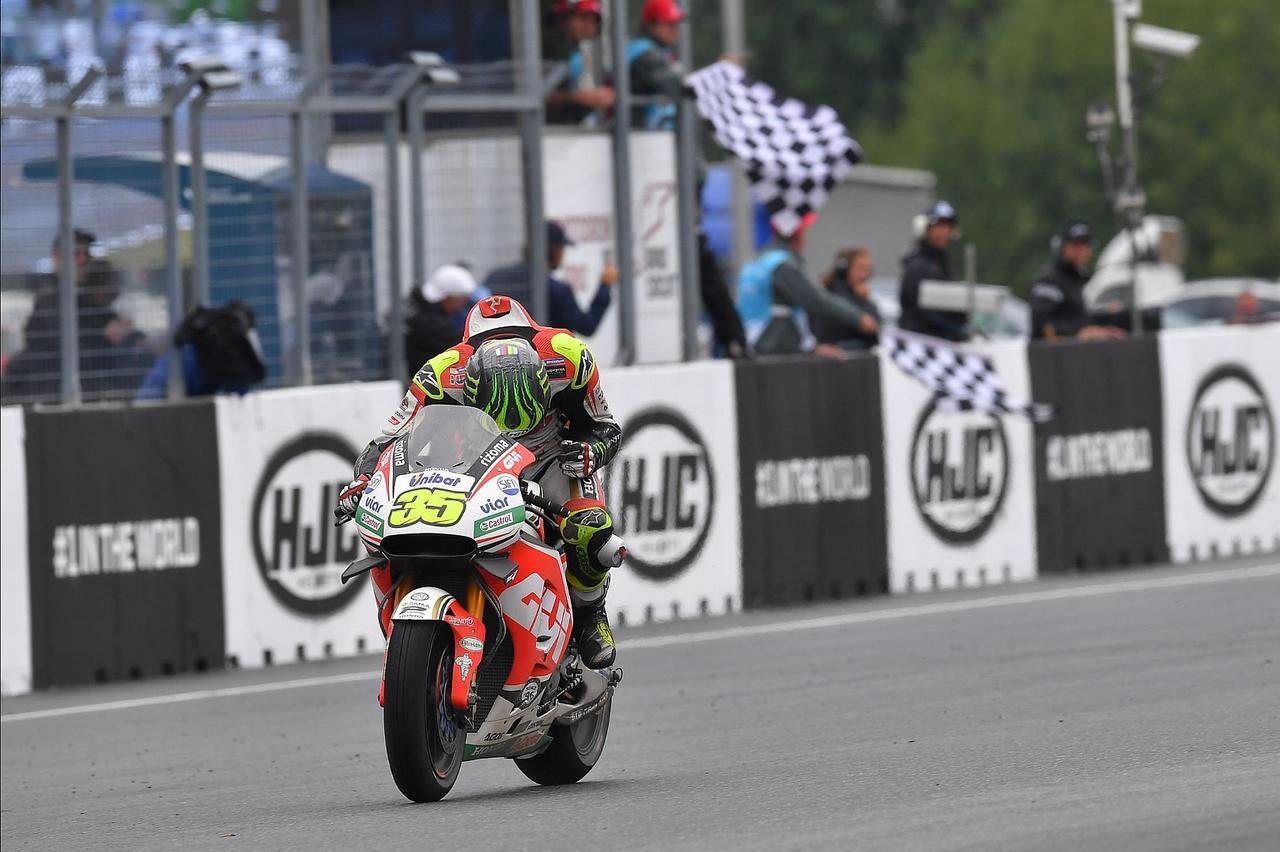 画像: 苦労人、ついに優勝! 雨のレースでの、サテライトチーム勢の優勝は、ジャック・ミラーに続いてふたり目!