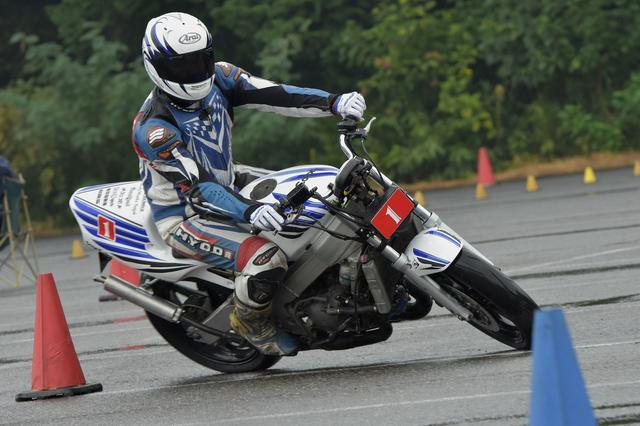 画像6: 激走、転倒、波乱、逆転…秋の雨がもたらした白熱の1日! オートバイ杯ジムカーナ第4戦
