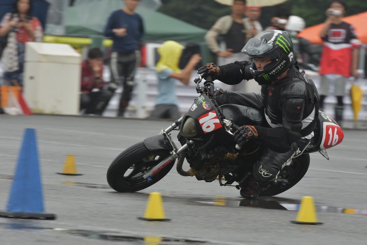 画像5: 激走、転倒、波乱、逆転…秋の雨がもたらした白熱の1日! オートバイ杯ジムカーナ第4戦