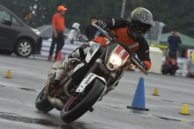 画像7: 激走、転倒、波乱、逆転…秋の雨がもたらした白熱の1日! オートバイ杯ジムカーナ第4戦