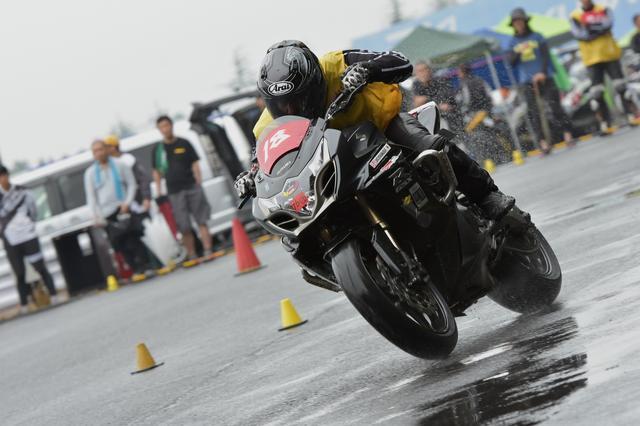 画像3: 激走、転倒、波乱、逆転…秋の雨がもたらした白熱の1日! オートバイ杯ジムカーナ第4戦