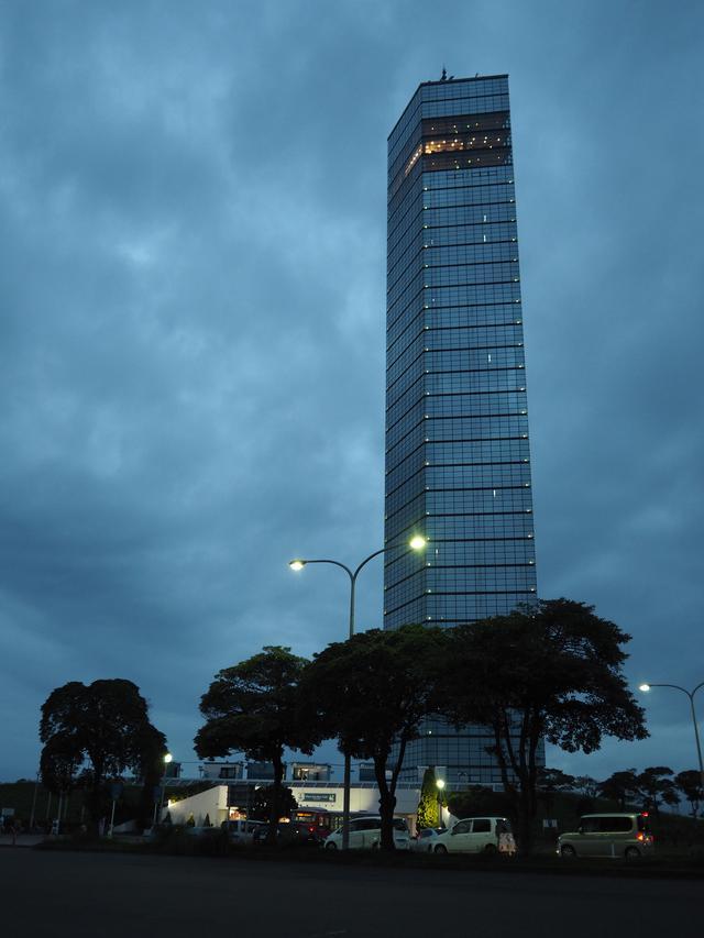画像: 千葉ポートタワーです。千葉県千葉市中央区 中央港1丁目。