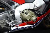 画像: エンジンは8KW(約10.88PS)の出力向上。フレームは剛性バランスを見直した事実上の別物です。