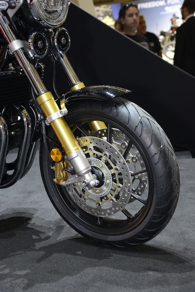 画像: ブレーキキャリパーはなんとラジアルマウント。CBR1000RRのブレンボも付きそうな感じですが…。