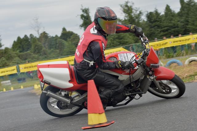 """画像4: 年に一度のジムカーナの祭典、今年はNSRの1-2-3! オートバイ杯ジムカーナ特別戦""""ジムカーナJAPAN"""""""