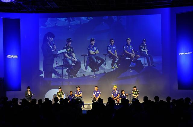 画像: ワイルドカードエントリーの中須賀克行、ファクトリーチームのバレンティーノ・ロッシ、ホルヘ・ロレンソ、サテライトチームのポル・エスパルガロ、ブラッドリ・スミスが顔をそろえました。豪華っ!