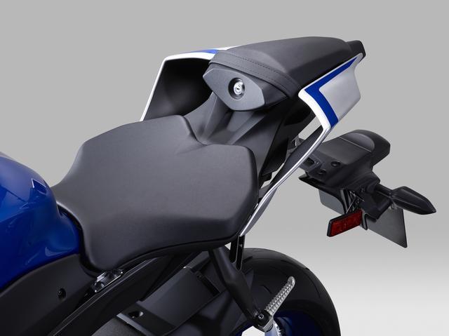 画像: シート高は従来モデルと共通の850mm。