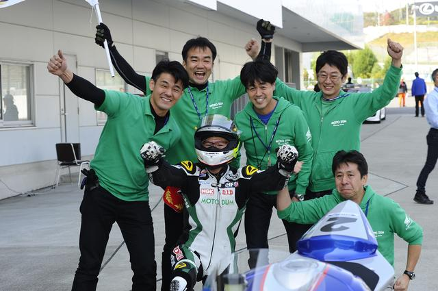 画像2: <全日本ロードレース>ST600は大逆転の王者決定! ~モトバムホンダ榎戸 初優勝初チャンピオン!~