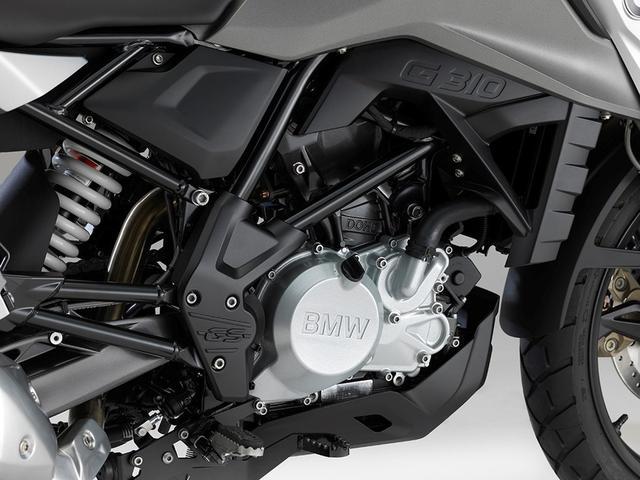 画像: 313ccというゆとりの排気量で、ライバルよりも余裕を持たせたDOHCエンジン。