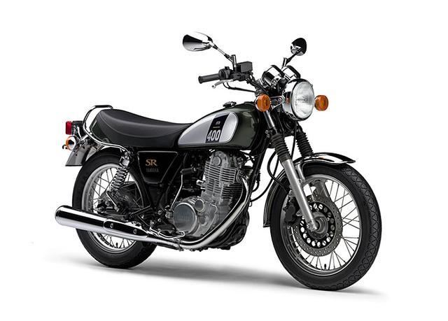 画像: 2008年に一度生産中止となるが、フューエルインジェクションを採用して2010年モデルで復活した現行SR。 YAMAHA SR400 ¥550,800 ダークグレーイッシュリーフグリーンメタリック1 http://www.yamaha-motor.co.jp/mc/sportsbike/sr400/