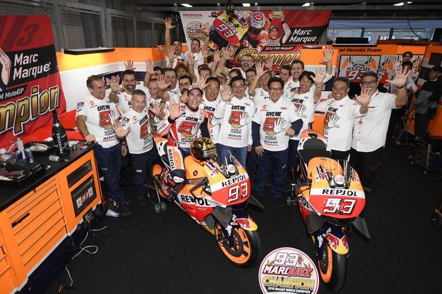 画像1: Hondaはマルク・マルケスのライダーズタイトルに加え2冠を達成