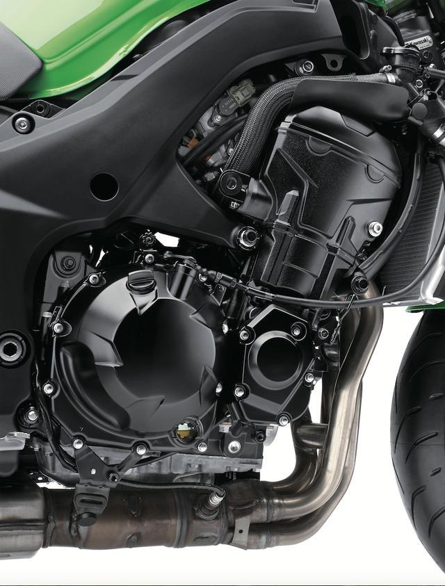 画像: 熟成を重ねて得た高い完成度に加え、最高出力142PSというパワフルさと豊かなトルクを併せ持つ1043㏄水冷直4エンジンは、従来モデルからそのまま受け継がれている。