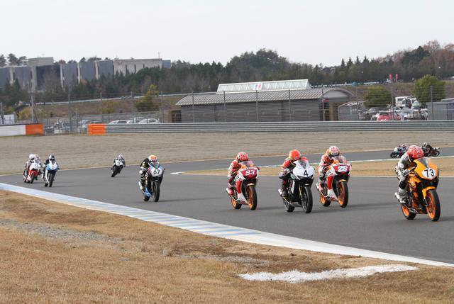 画像3: イベント内ではレースもCBR250R、GROM、NSF100のレースも開催!