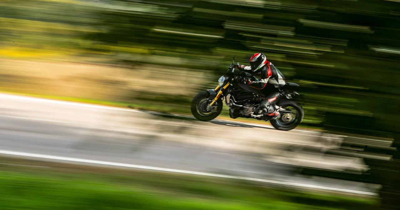 画像: Ducati Monster 1200
