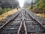 画像: ちなみに翌日乗った列車で高森駅-中松駅を往復したのですが、運転士さんに「レールの先を見てきていいですよ」とお声掛け頂いて行ってみましたが、レールの上には土嚢が積んでありました。レールや枕木、橋脚や橋梁を支える橋台が移動するほどの熊本地震による被害を写真で拝見…。そしてこれ以上行けないことを目の当たりにすると本当に切なく、復興を心からお祈りしています。
