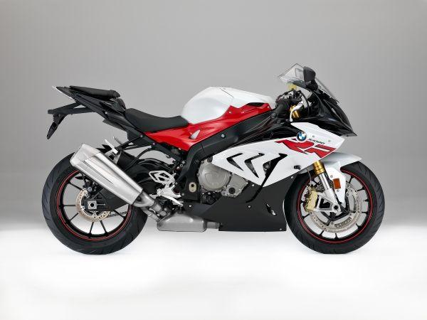 画像2: レーシング・レッド/ライト・ホワイトのカラーはメーカー希望小売価格から¥15,000 アップ
