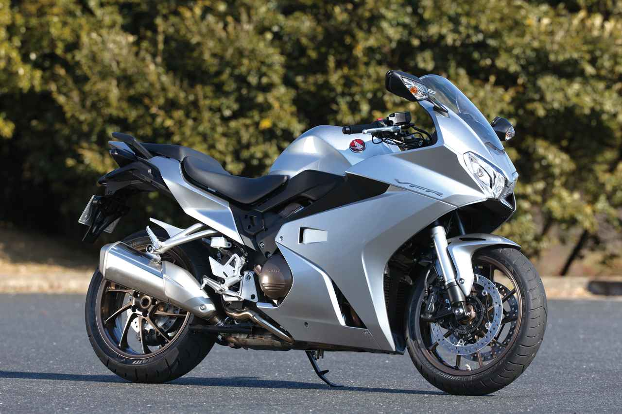 画像: HONDA VFR800F ■価格:138万2400円