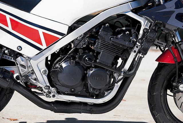 画像: XJ400Zの水冷直4エンジンに、バルブの大径化、カムプロフィール変更、フリクションロスの低減、ハイコンプ化などの改良を加えて59PSにまでパワーアップ。