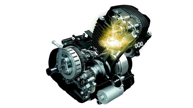 画像: 空冷単気筒でOHC 2バルブというシンプルなメカニズムのSEPエンジンだが、燃焼効率を高めフリクションロ スを低減、パワーを犠牲にせずクラス最高レベルの燃費を実現。日本仕様は平成28年国内排出ガス規制(ユーロ4相当)もクリア。