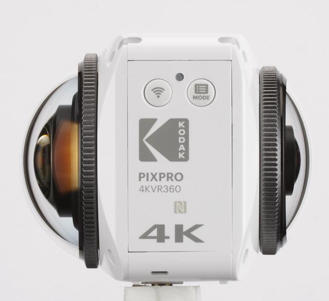 画像: 大きさが違う、2つのレンズで構成されている「KODAK PIXPRO 4KVR360」。右のレンズは155°、左のレンズは235°を撮影。